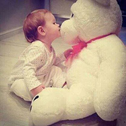 pretty & cute baby with teddy bear wallpapers
