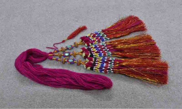 latest & stylish paranda designs for girls