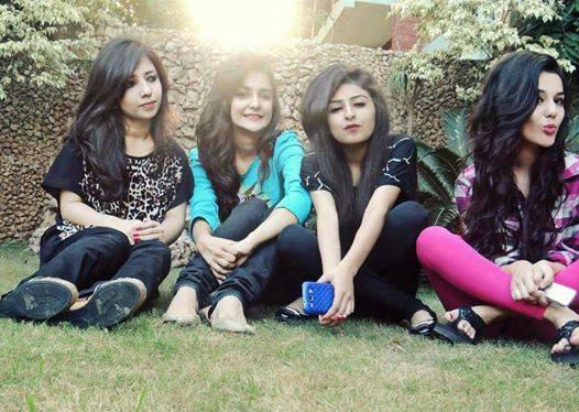 sexy pakistani school girls