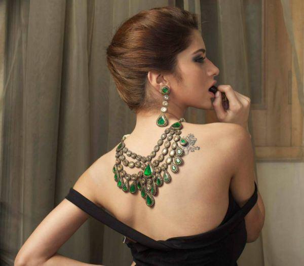 Jewellery-Sets-by-Fazal-Gold-Centre