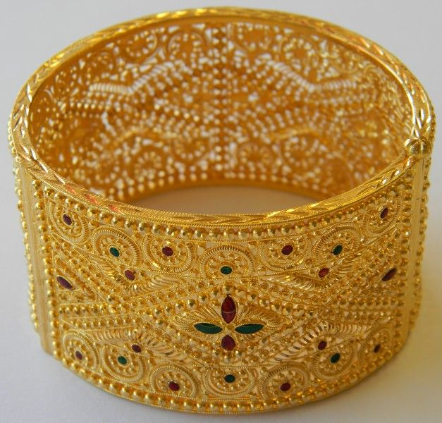 New-Elegant-Fashion-Bridal-Arabic-Gold-Jewelry-Design-For-Girls-2015