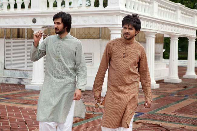 Newest-Style-Summer-Kurtas-Eid-Ul-Fitr-For-Young-Boys-webstudy.pk