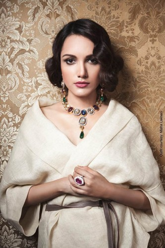 Aura-Art-Bridal-Jewellery-2015-Collection-by-Saba-Talpur-