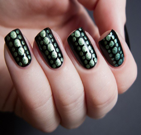 metallic-nail-polish