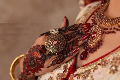 Indain-Bridal-Mehndi-Unique-Design-2015-Hands-Feet