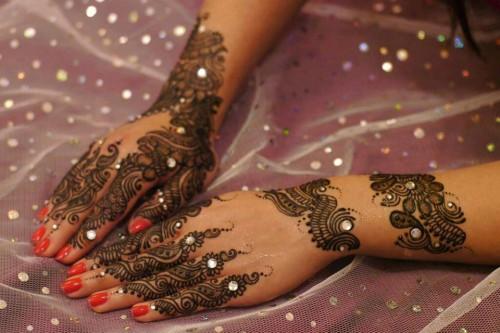 Indain-Bridal-Mehndi-Unique-Design-2015