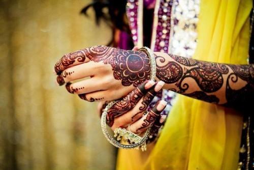 Indain-Bridal-Mehndi-Unique-Designs