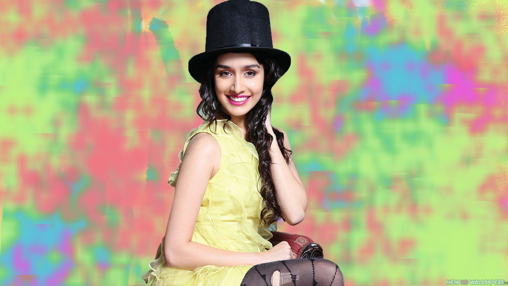 shraddha-kapoor-latest-stylish-cap-Images-webstudy.pk