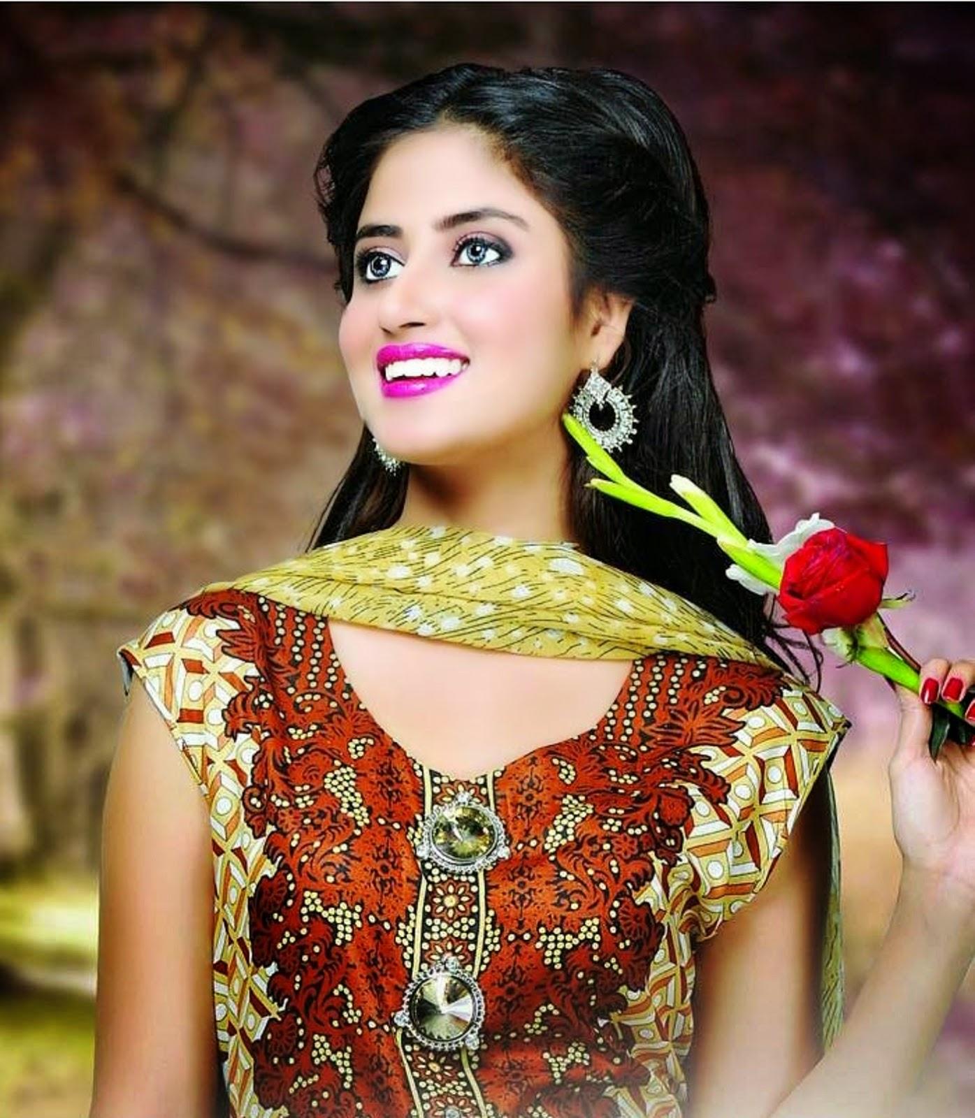 Dawood-Textiles-Aalishan-Chiffon-Lawn-Dresses-2016 sajal ali-webstudy.pk
