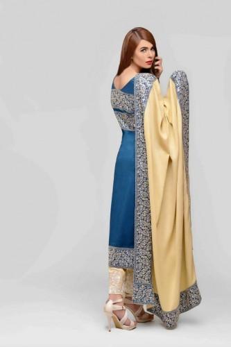 Areeba-Saleem-Fall-Winter-Peach-Leather-Jacquard-Shawl-Collection-2015-2016-ZS-Textile