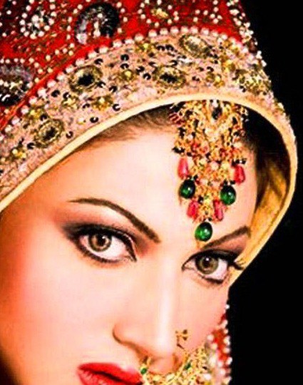 Bridal-Make-up-Looks-Beautiful-Pakistani-Bridal-Face-Make-up-webstudy.pk