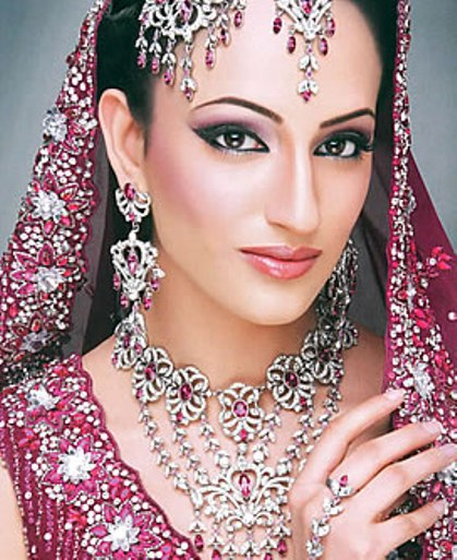 Ladies-Fashion-Necklace-webstudy.pk