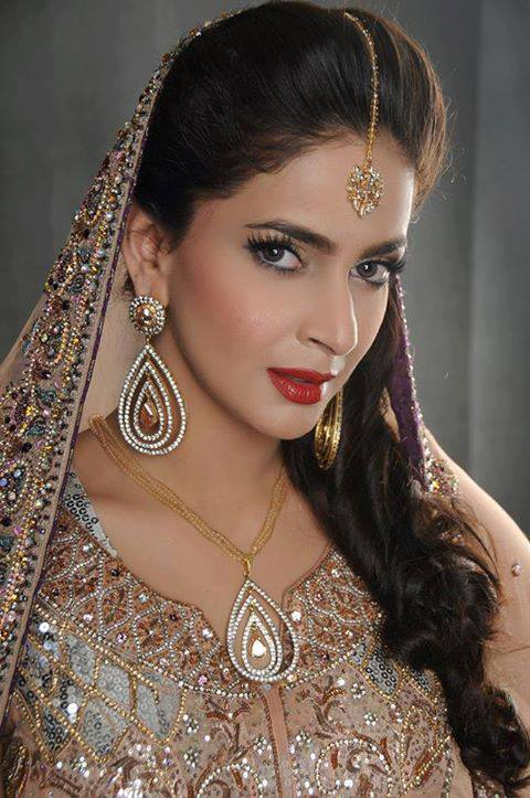 saba qamar wedding-funonine.pk