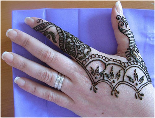 beautiful-design-of-mehndi-on-hands-webstudy-pk