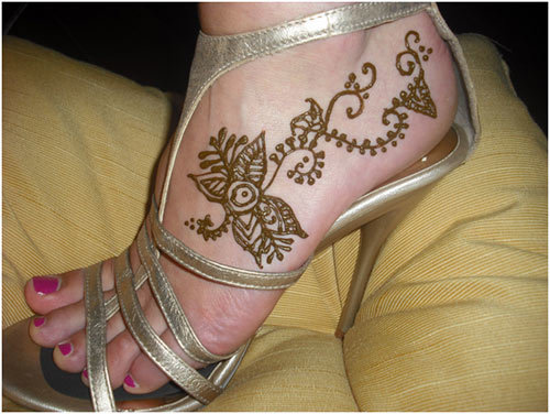 lavish-designs-of-mehndi-on-feet-webstudy-pk