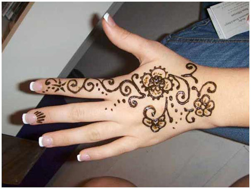 simple-pattern-mehndi-design-on-hand-webstudy-pk