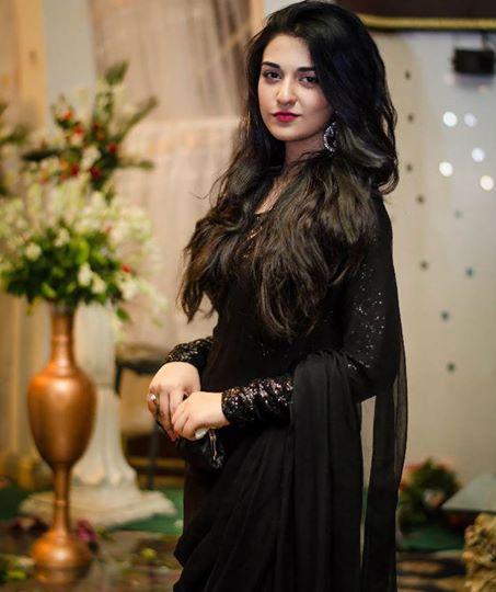 sarah khan in black hot pics