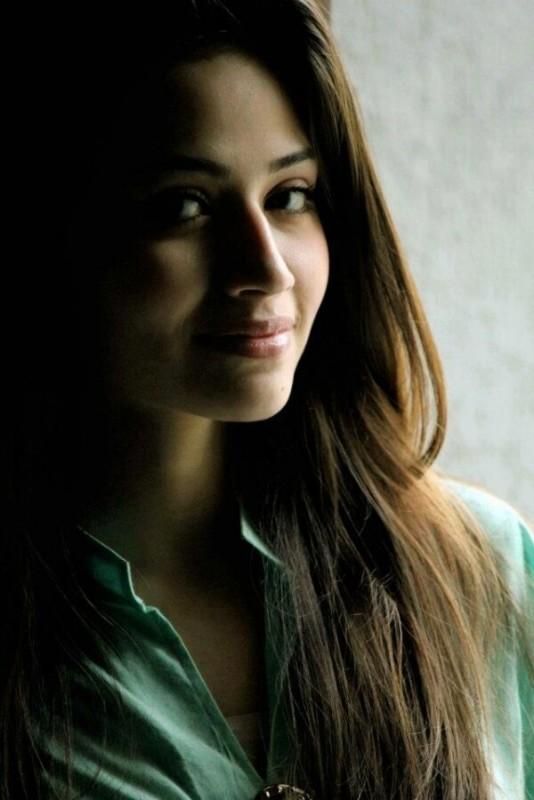 actress sana javed hd pics