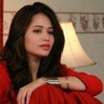 khaani san javed photo in red dress