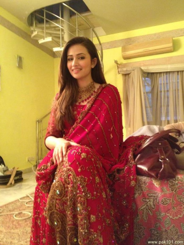 actress sana javed hd pics