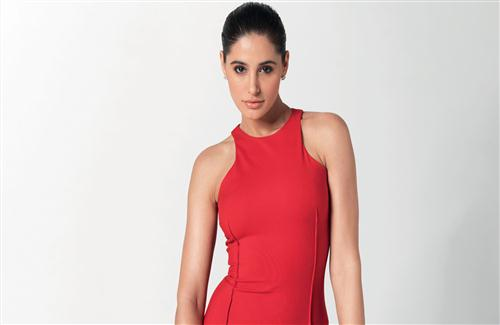 Nargis_Fakhri_in_Red_Top_Photo