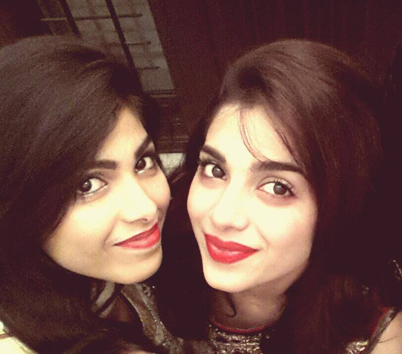 sonya hussain with her sister