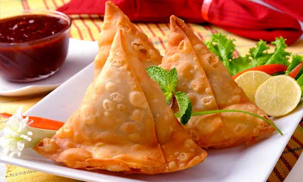 best samosa in karachi from dabas